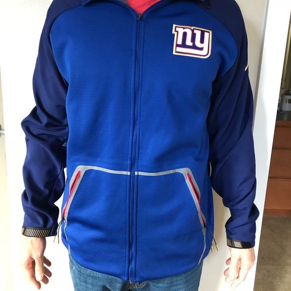 best service b579c 4704a New York Giants Nike Thermafit Hoodie